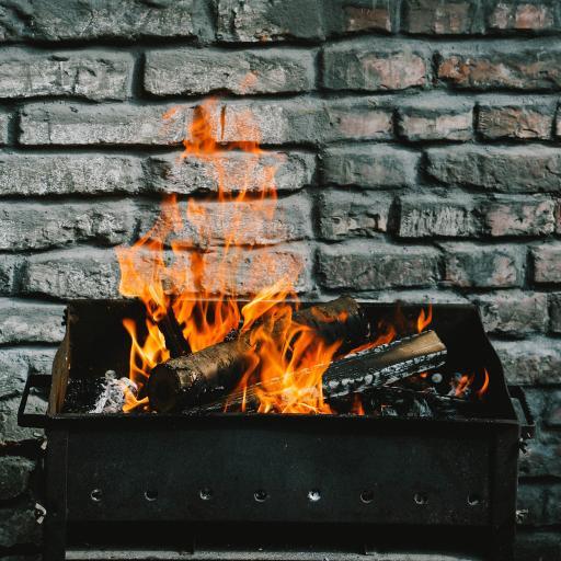 炭火 烧烤 火焰 砖墙