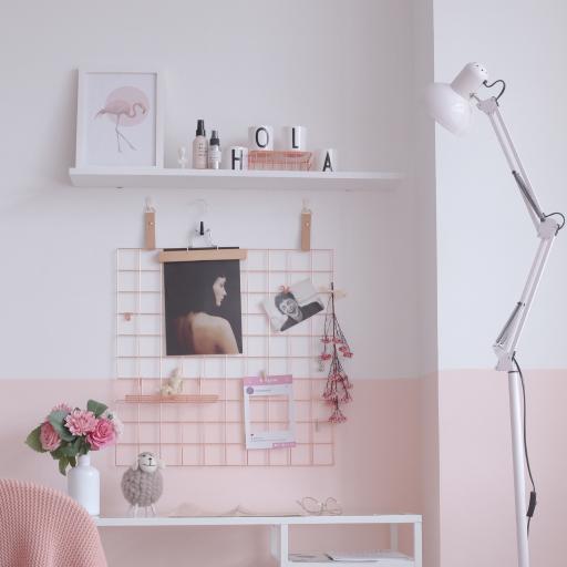 室内设计 粉色 空间 工作台 落地灯