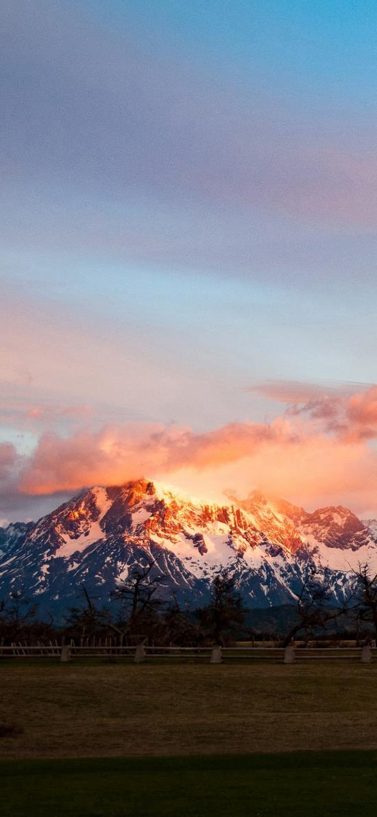 山峰美景 雪 火烧云 平原