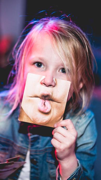 小女孩 欧美 搞怪 办鬼脸 儿童 可爱