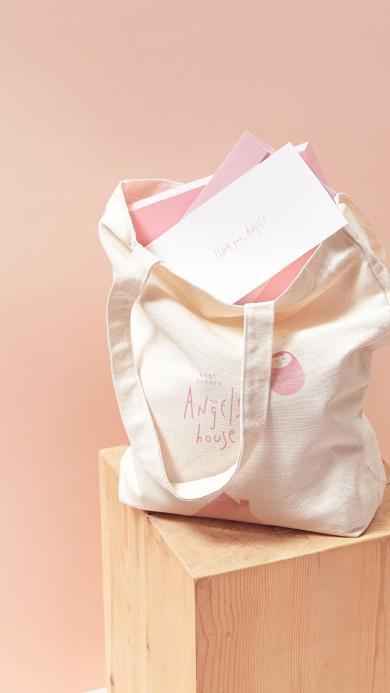 粉色背景 静物 帆布袋 信封