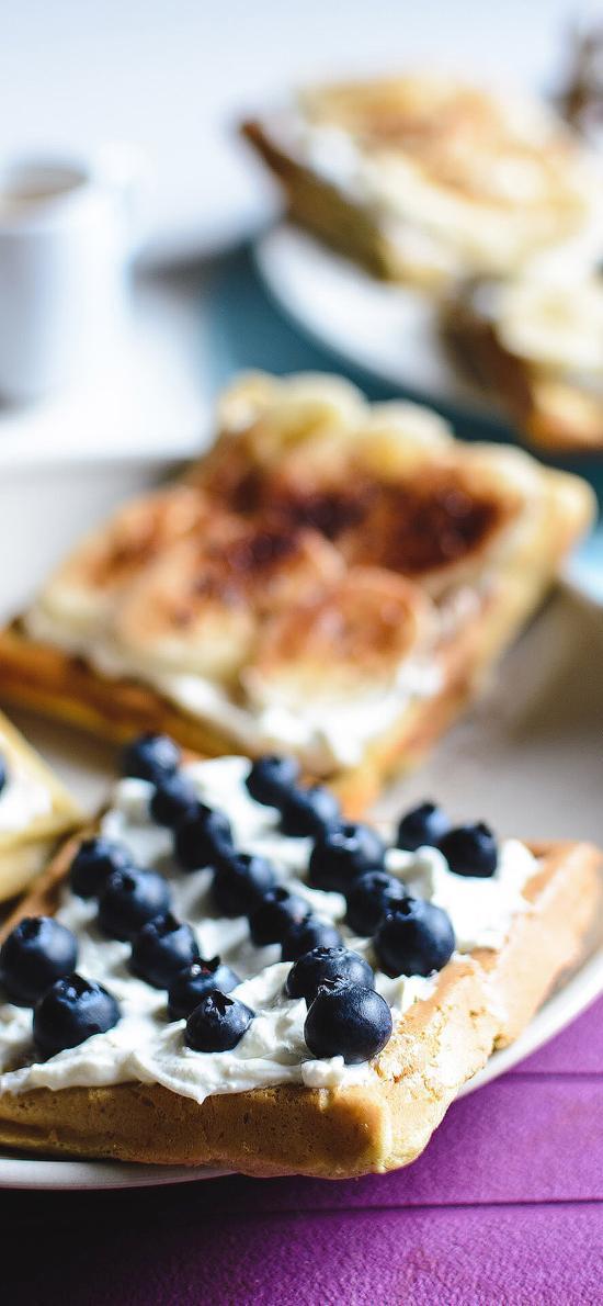 蓝莓 面包片 餐点 奶油