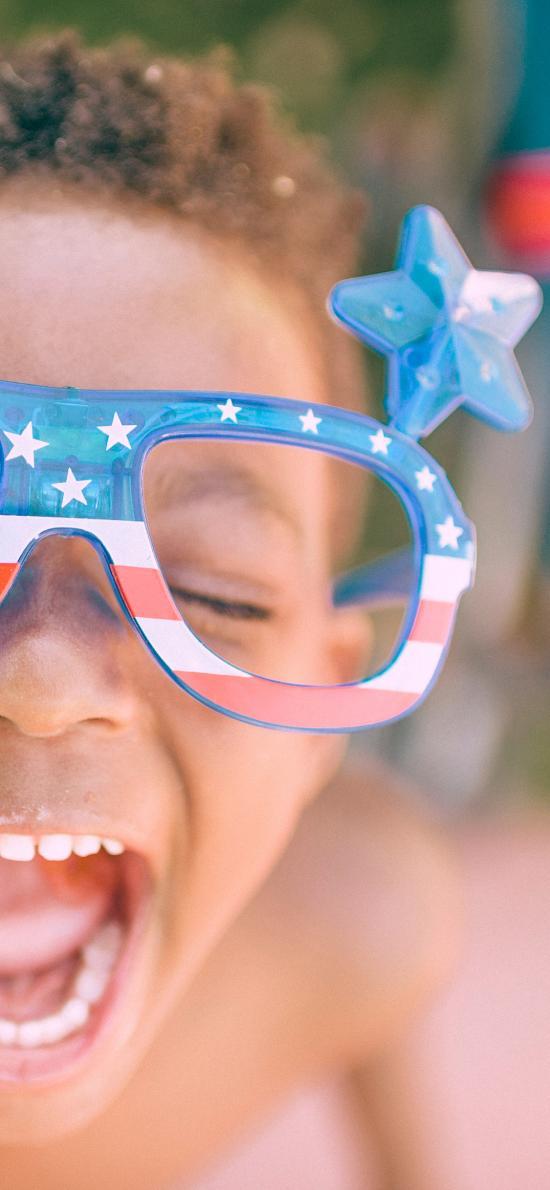 非洲小孩 萌娃 眼鏡 大笑