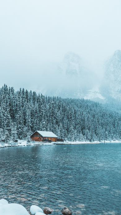 雪景 湖水 雪山 房屋