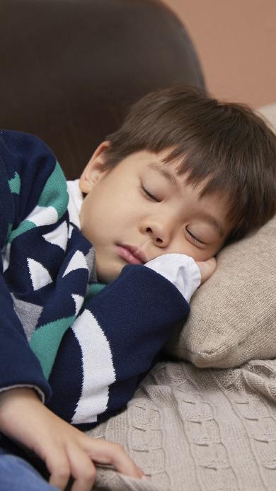 杜宇麒 嗯哼 小男孩 可爱 睡觉