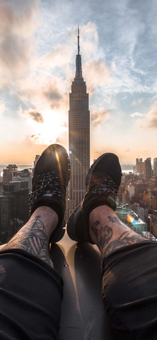 城市 高楼大厦 建筑 阳光 双腿