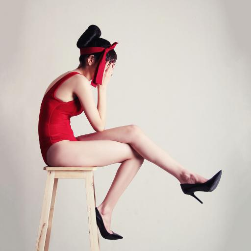 高脚椅 女孩 性感 高跟鞋