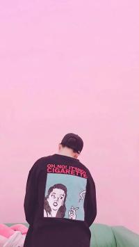 情侣壁纸 粉色背景 男孩背影