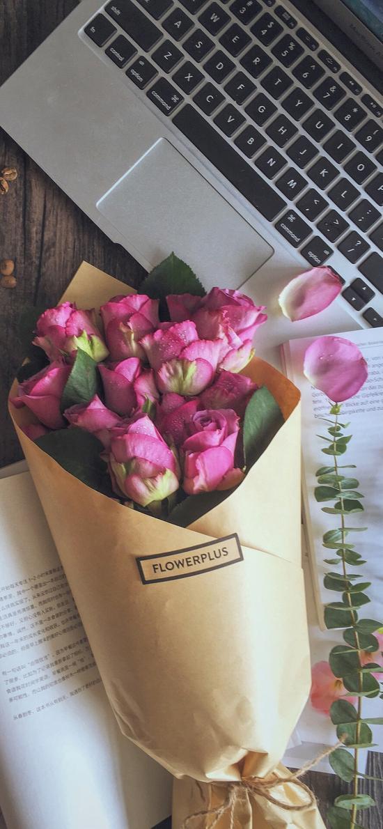 静物 笔记本 花束 鲜花 玫瑰