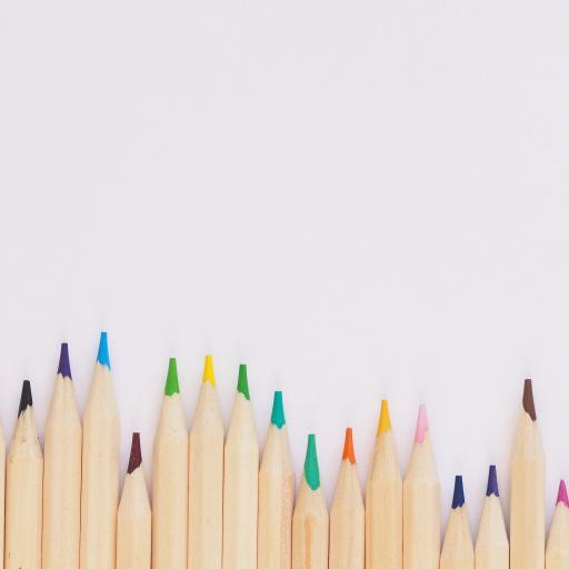 文具 铅笔 色笔 排列