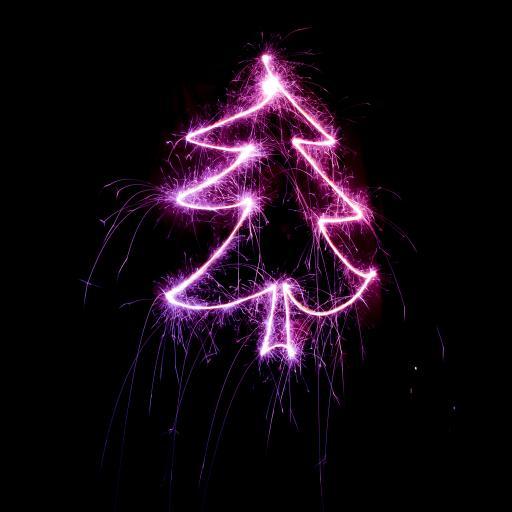 圣诞树 彩灯 夜晚 紫色