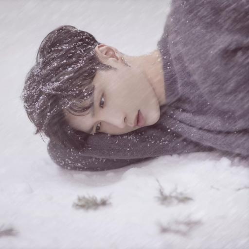 张艺兴 EXO 歌手 演员 明星 雪地