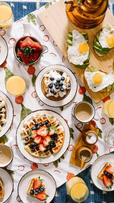 丰富 餐点 甜品 草莓 华夫饼 煎蛋