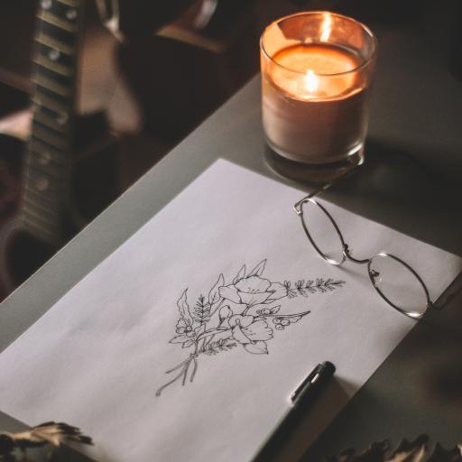 纸张 绘画 植物 眼镜 蜡烛 静物