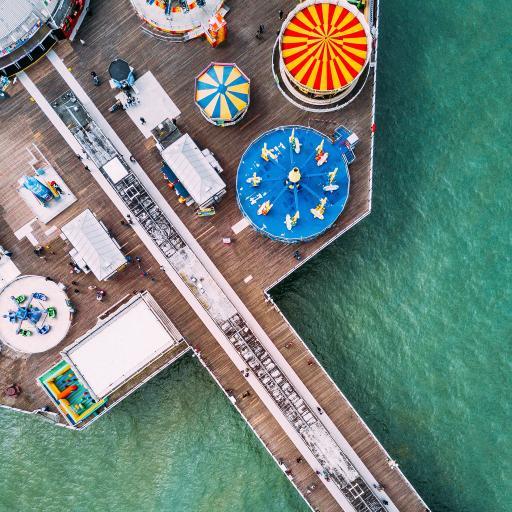 俯拍 观景台 娱乐设施 海面
