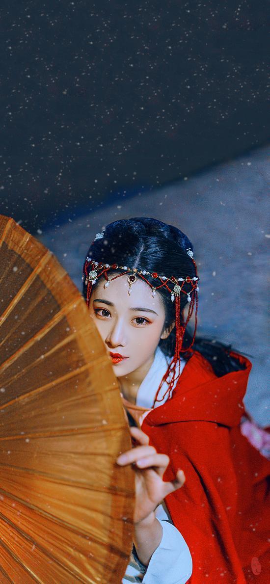 美女 古裝寫真 油紙傘 雪天