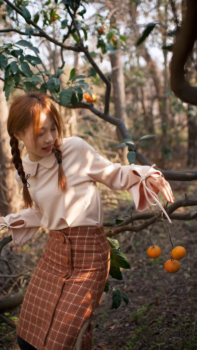 近路女孩 麻花辫 橘子园
