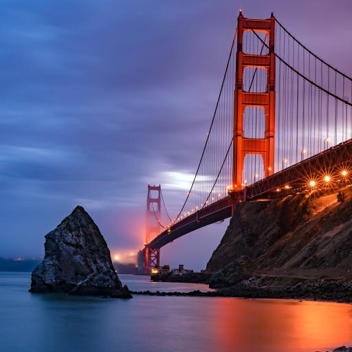 金门海峡 美国旧金山 桥梁  河流 傍晚 灯光