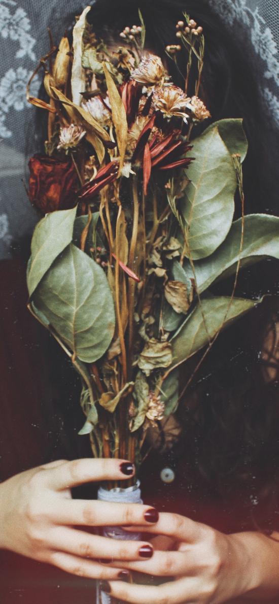 美女 花束 干花 凋谢