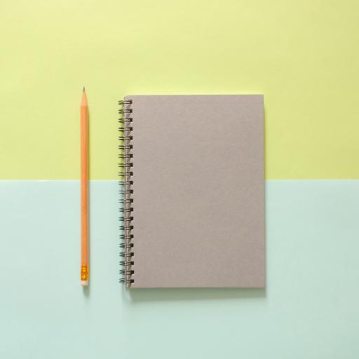 笔记本 铅笔 文具 色彩