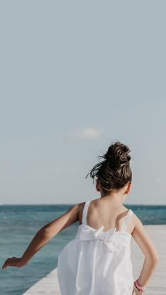 萌娃背影 小女孩 奔跑