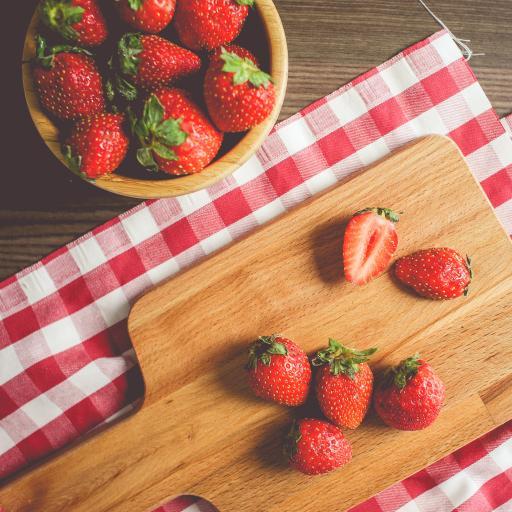 草莓 水果 案板 新鲜