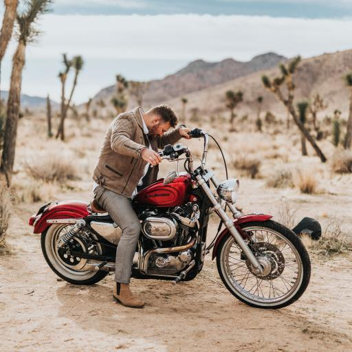 荒漠 摩托车 帅气 骑行