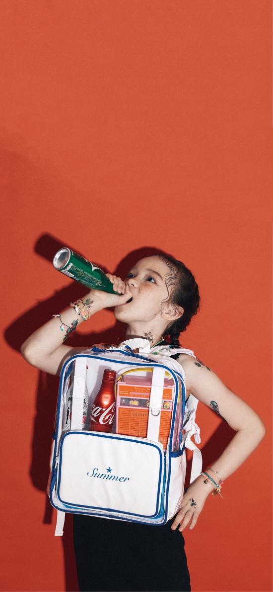 童模 模特 书包 饮料