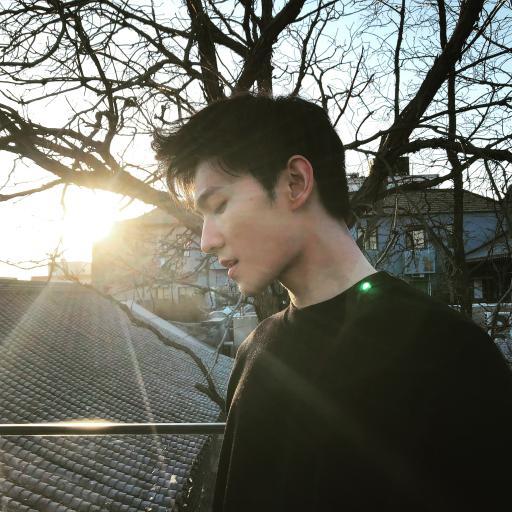 杨洋 演员 明星 艺人 歌手 阳光