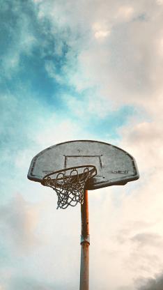 蓝天白云 体育设施 篮球框