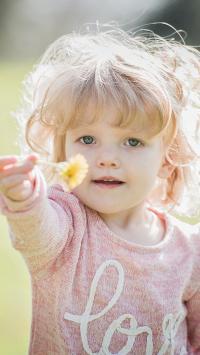 小女孩 可爱 金发 欧美 郊外