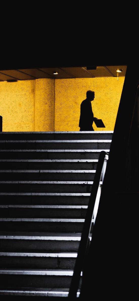 意境摄影 楼梯 黄色墙壁 人影