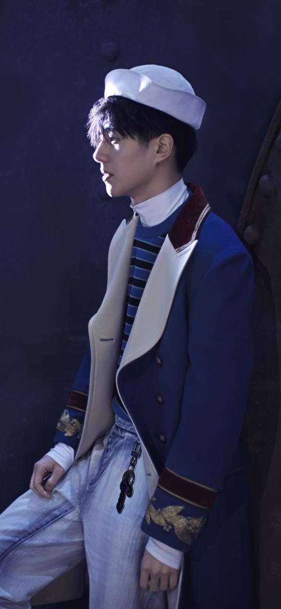 刘昊然 演员 明星 海军服 时尚 艺人