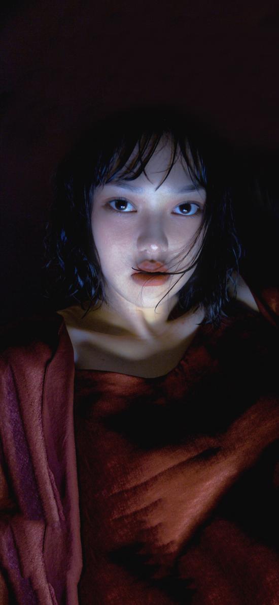 日系写真 少女 湿发 妆容