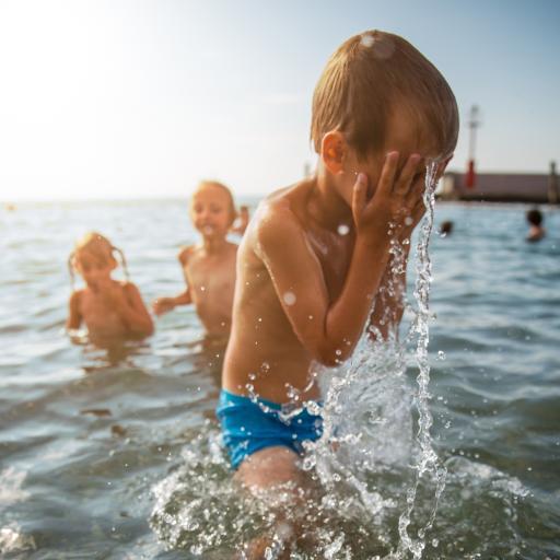 游泳 大海 玩耍 欢乐 孩童 儿童