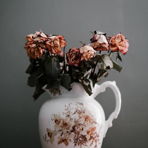 花瓶 花束 萎靡 枯萎