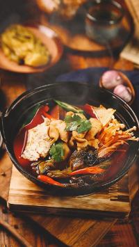 麻辣烫 金针菇 酸菜 豆腐 肥肠