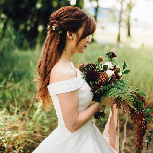 婚纱 户外 捧花 婚礼