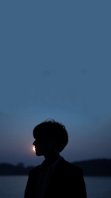 少年 夜 黑暗 剪影 轮廓