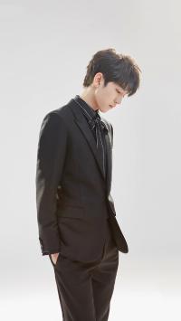 王俊凯 歌手 TFBOYS 演员 明星 西装