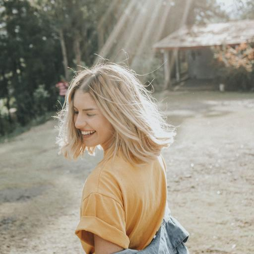 欧美美女 短发 写真 阳光