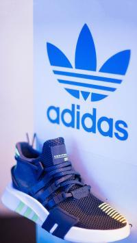 运动品牌 阿迪达斯 鞋子