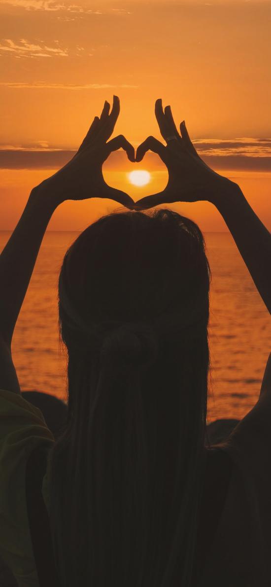 愛心 愛情 比心 手勢 黃昏 背影