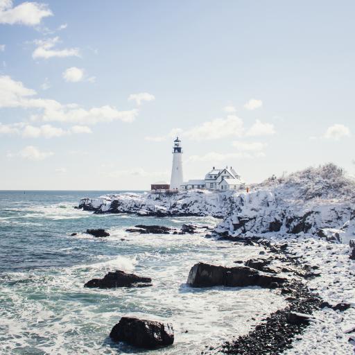 海景 浪花 岩石 灯塔