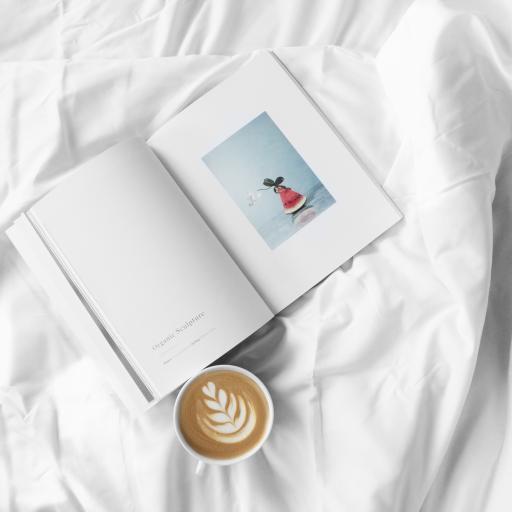 静物 杂志 书本 咖啡 拉花