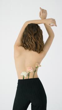 鲜花 盛开 露背 女孩 体型