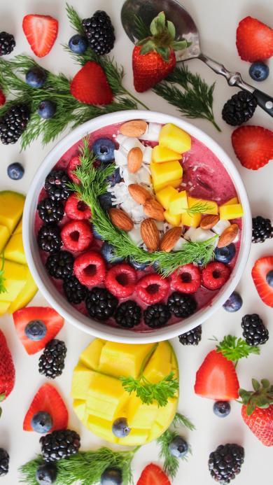 水果 草莓 奶昔 坚果 蓝莓 芒果 拼盘