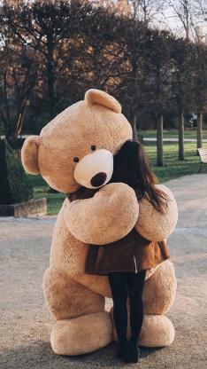 玩偶 熊 女孩背影 安慰 拥抱