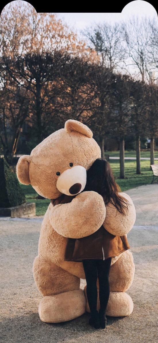 玩偶 熊 女孩背影 安慰 擁抱
