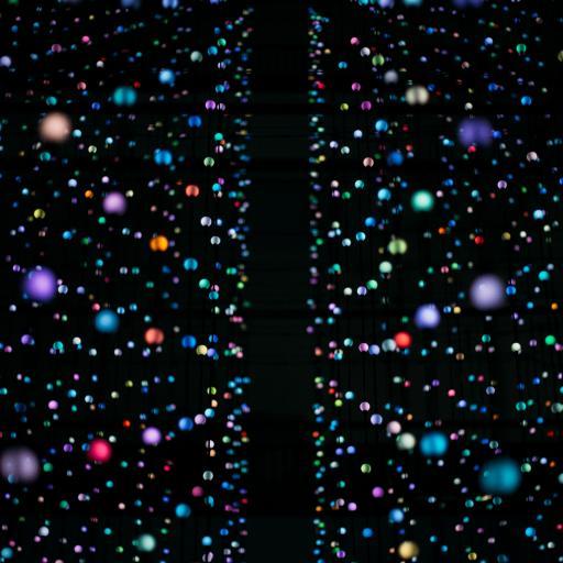 灯饰 球体 色彩 密集